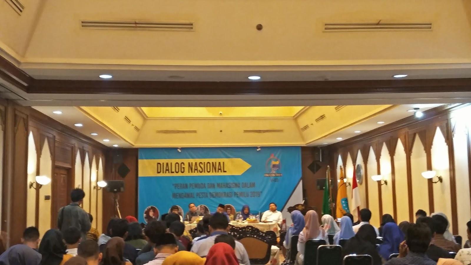 """DIALOG NASIONAL """"Peran Pemuda Dan Mahasiswa Dalam Mengawal Pesta Demokrasi pemilu 2019"""""""
