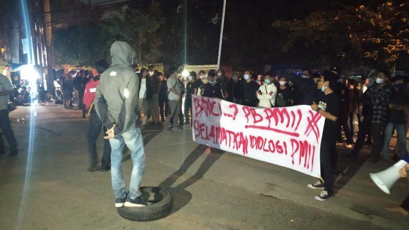 Peserta Kongres PMII Dibubarkan Paksa oleh Aparat Kepolisian